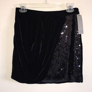 Zara Basic   Holiday Festive Velvet Sequin Skirt